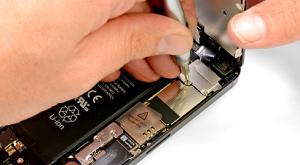 Оценили ремонтопригодность iphone 5