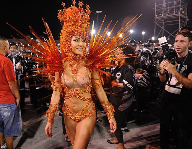 Сексуальный бразильский карнавал